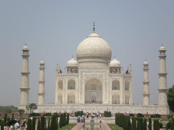 Taj Mahal.  Photograph © 2014, Girish Bala, Pictotainment Media.